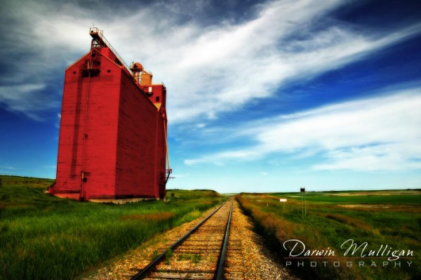 landscape photo of Saskatchewan grain elevator