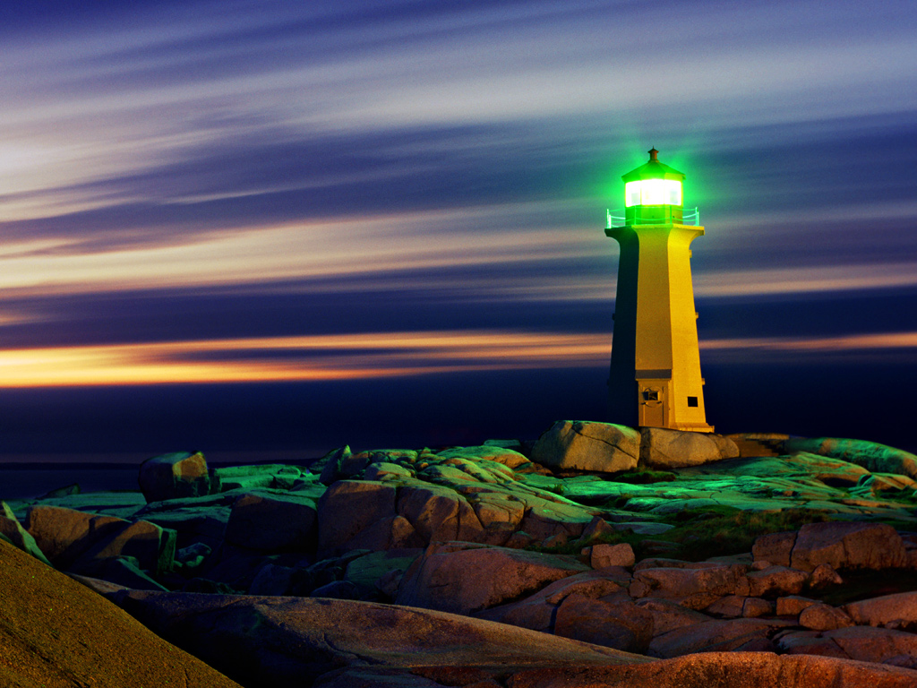 Peggys-Cove-lighthouse-lighpainted-at-night